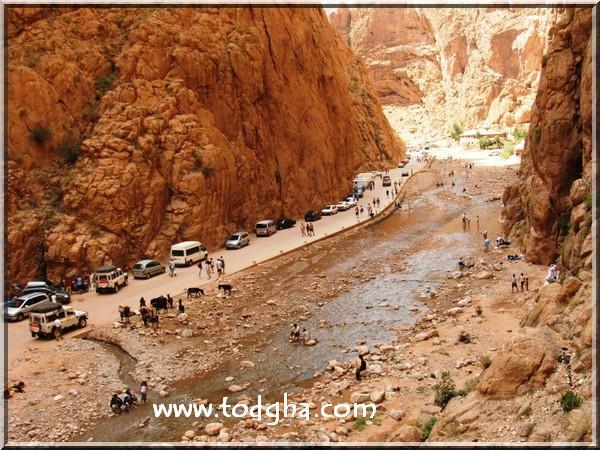 carte - La grande aventure au Maroc (paysage,carte,peuple,insolite,nature) 290montagne%20des%20gorges%20todgha%201
